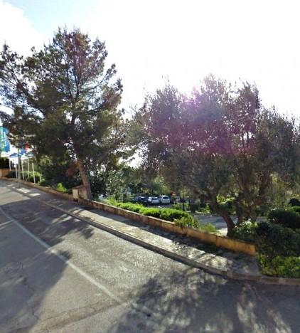 La Guardia Civil de Palmanova inicia las investigaciones tras recibir varias denuncias de robos en coches aparcados en el Golf de Bendinat