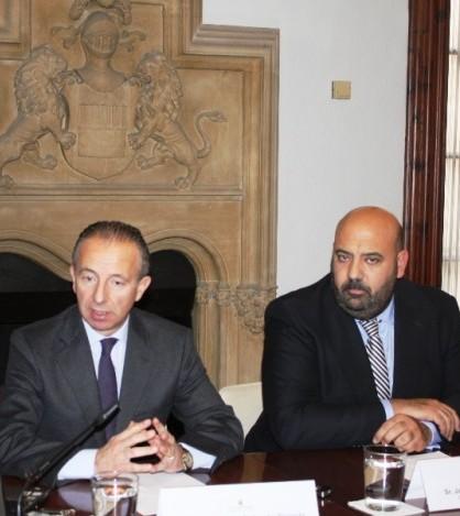 Carlos Delgado presenta los proyectos de mejora de zonas turísticas para 2014