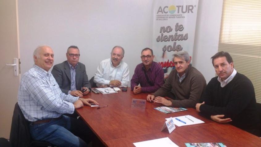 Reunión entre EU Calvià y Acotur.